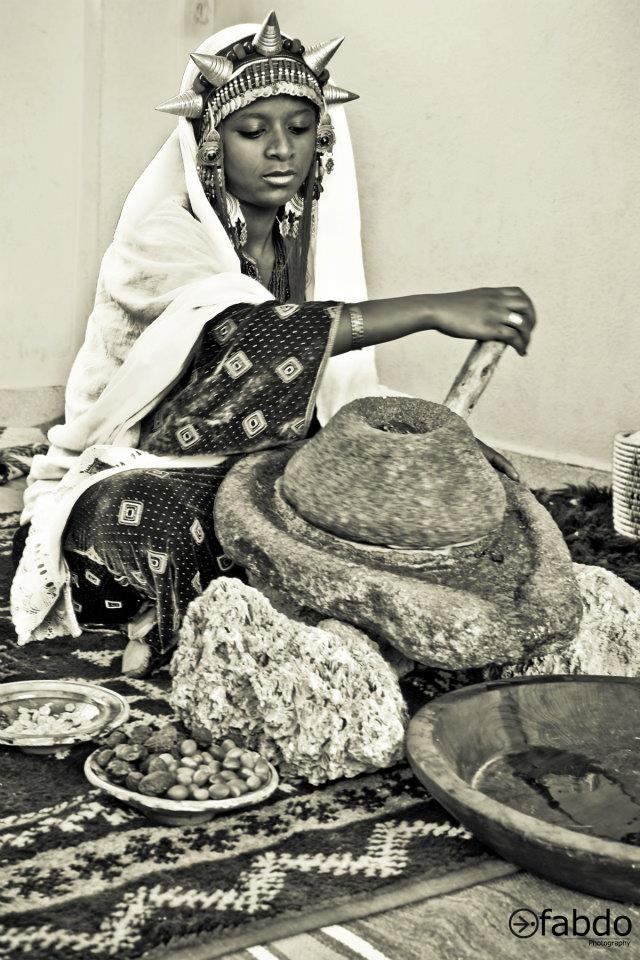 Berber Women Still Making Argan Oil In The Traditional Way